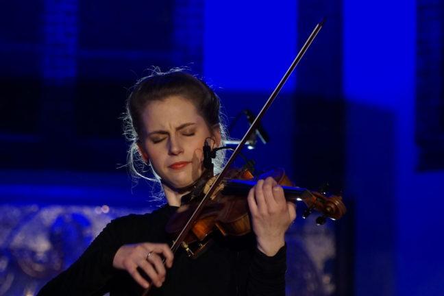 Lotte Hellstrøm Hestad (fiolin)