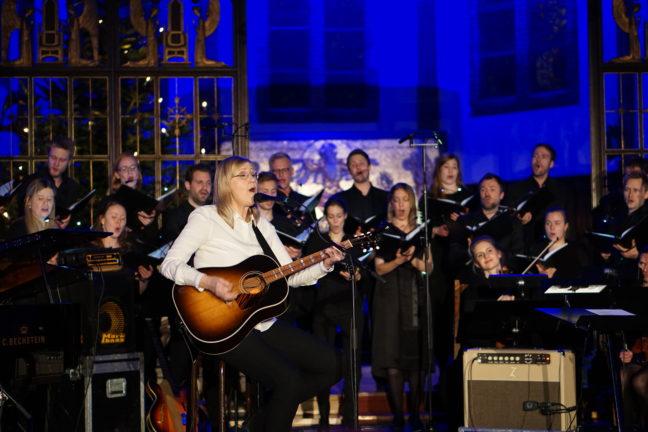 Anne Grete Preus og Uranienborg Vokalensemble (Elisabeth Holte, dirigent)